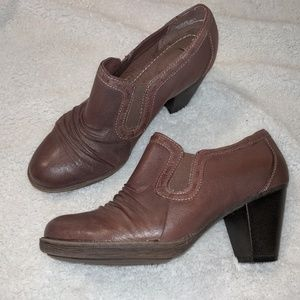 BareTraps leather booties size 8